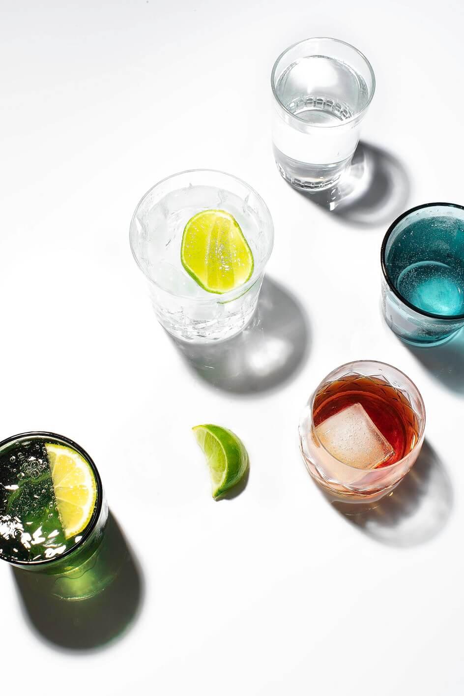 Аниса Сабет. Фотография с напитками