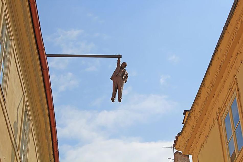 Памятник Зигмунду Фрейду, Давид Черный, Прага, Чехия