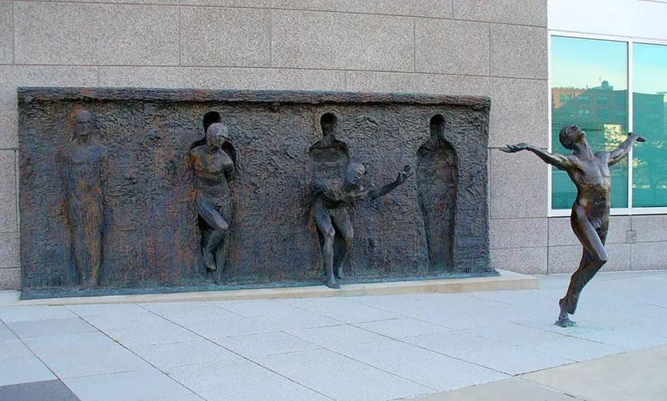 Вырвись из своего шаблона (Break through from your mold), Зенос Фрудакис, Филадельфия, Пенсильвания, США